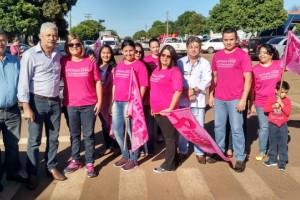 Foto: Dilermano Alves - Prefeito Mário Valério e equipe da Secretaria Municipal de Saúde no evento que abriu a campanha Outubro Rosa em Caarapó